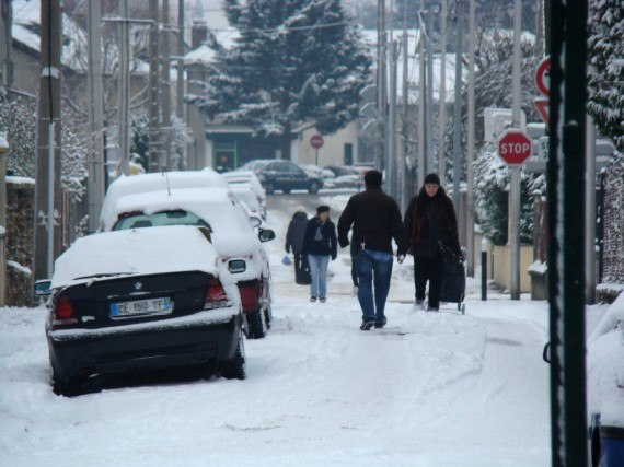 L'espace de la rue est réoccupé par les habitants.