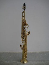 220px-Straight_soprano_saxophone_front